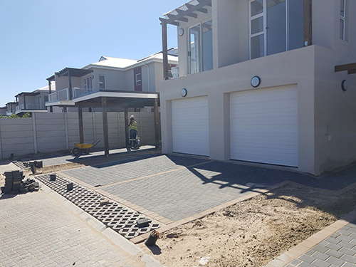 Karoo Paver - Colour: Charcoal